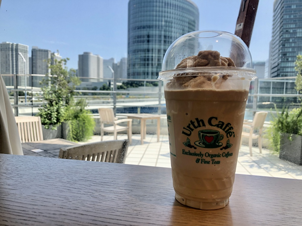 【横浜ベイクォーター】オーガニックコーヒー『アースカフェ』はドリンクのバリエーション豊富