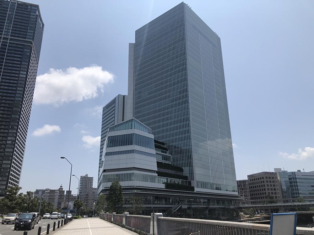 横浜市役所内の商業施設「ラクシスフロント」が8/5グランドオープン!地産地消押し!