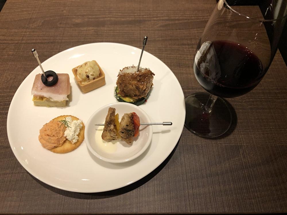 【JR横浜駅エキュート】ワインバル『matsu e mon』がオープン!ワインに合うタパスでちょい飲みにぴったり