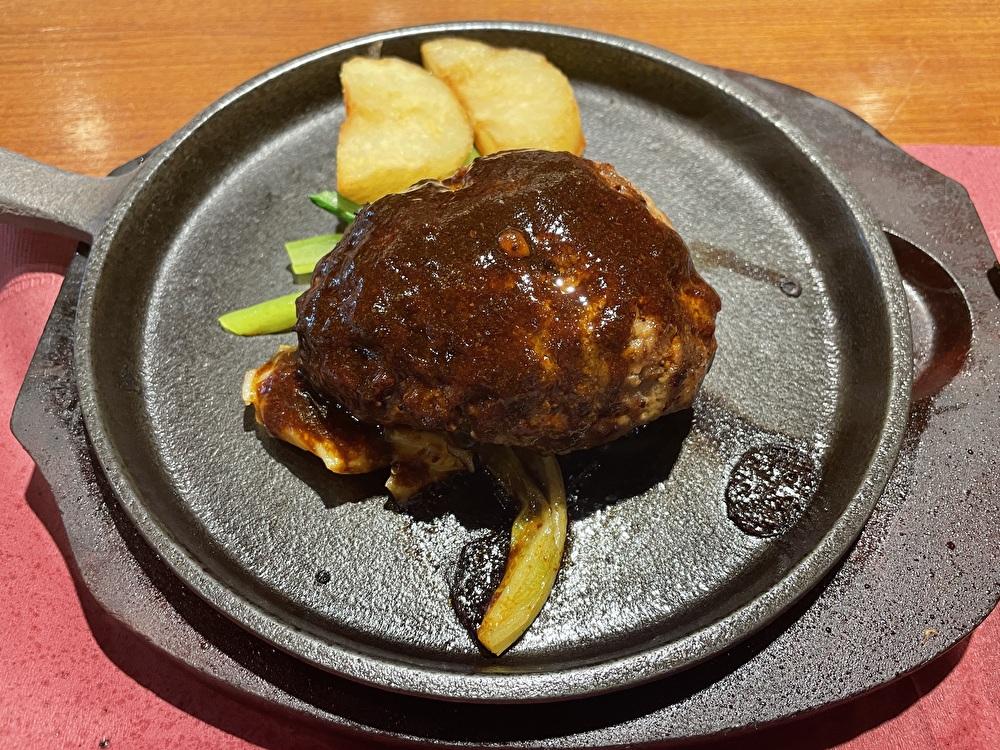 【横浜駅ランチ】老舗洋食店『キッチンカリオカ』のハンバーグランチがおすすめ