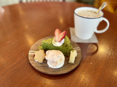 横浜元町『茶倉(さくら)』は日本茶専門店の和スイーツと柴犬で癒やしのカフェ
